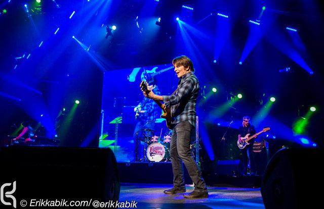 mpiEKP_09_14_16_fogerty_concert_KABIK-22.jpg