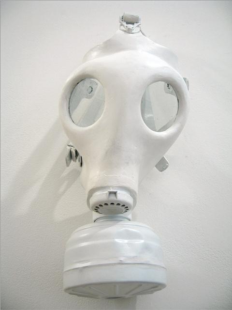 """""""Να εχεις μια καλή μέρα"""", Βρετανική χημική μάσκα"""