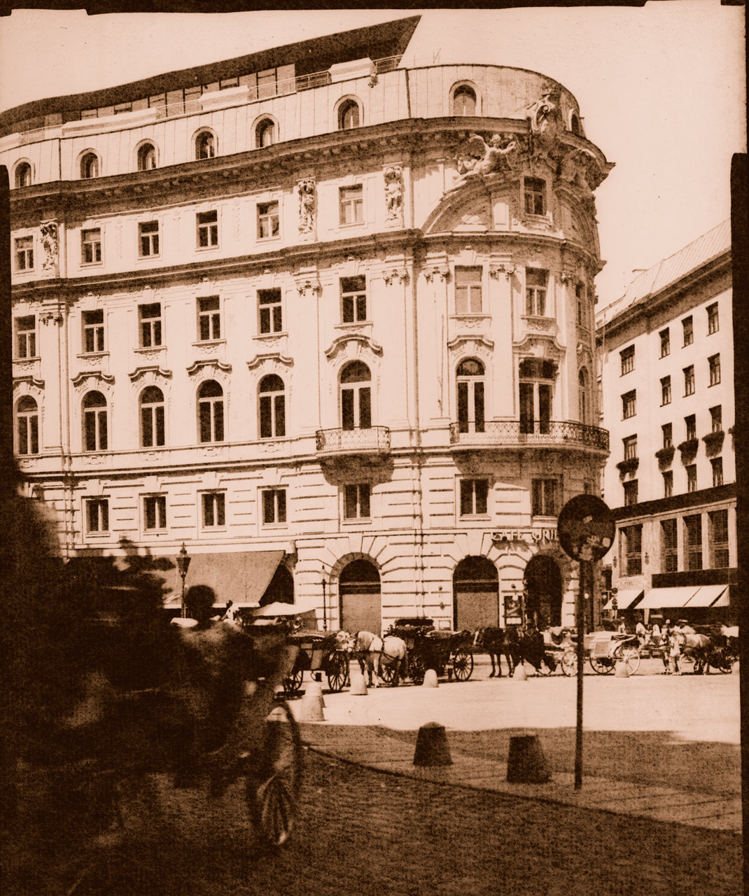 Vienna-Fiaker-Hofburg-trans-pos-br.jpg
