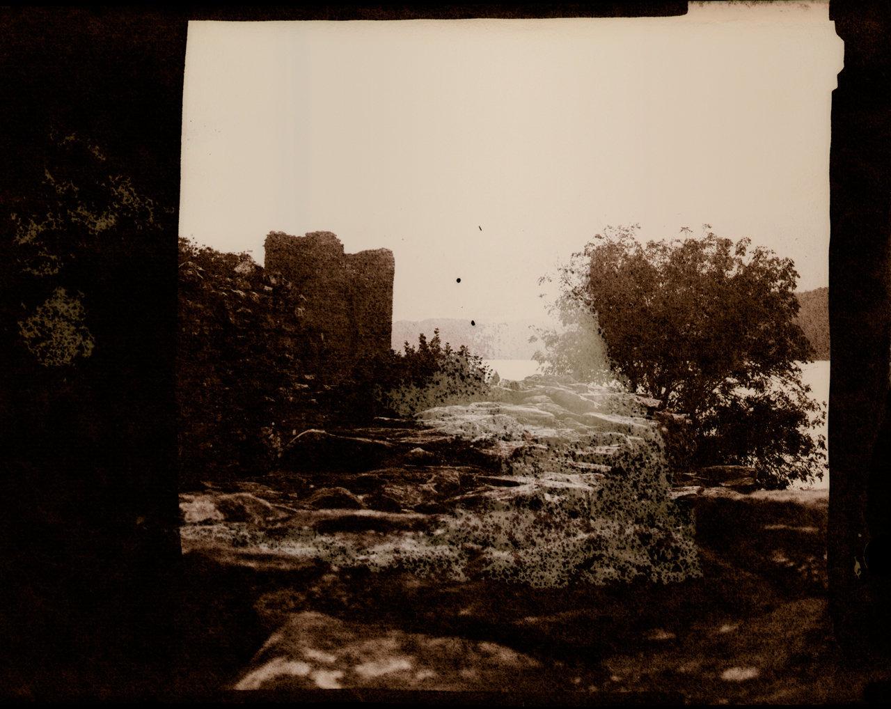Urqhart-Castle-W-(2).jpg