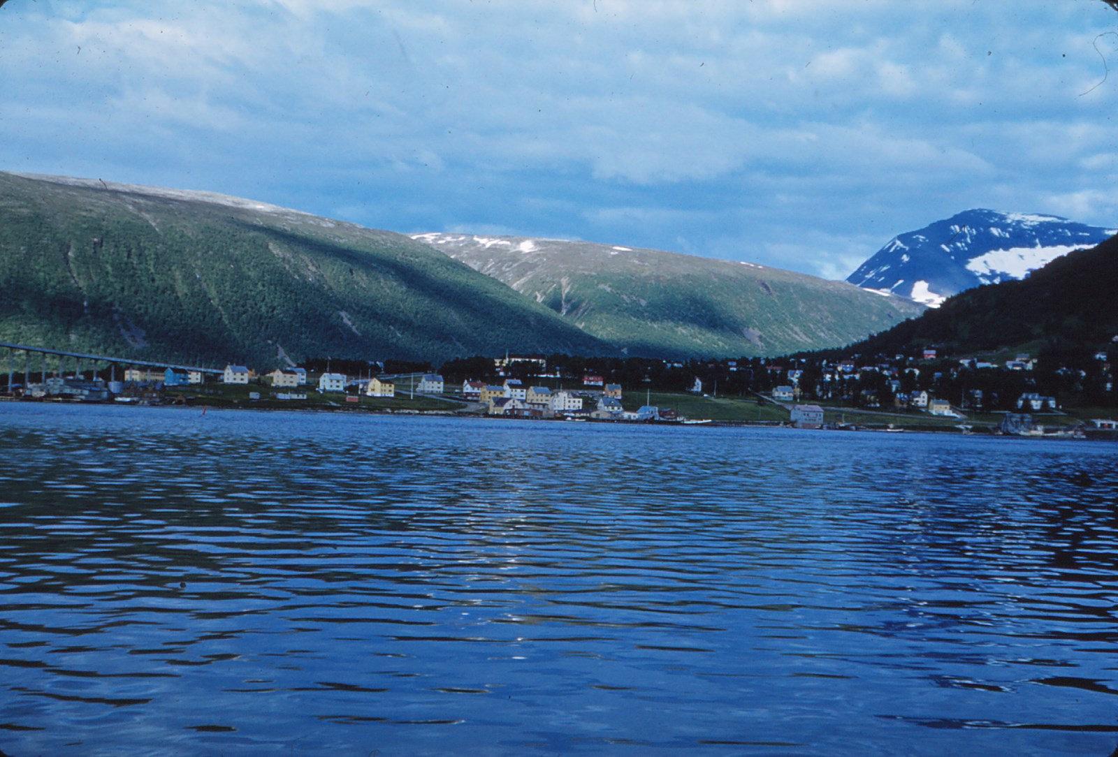 865 (13) Tromsø gezien naar Oosten