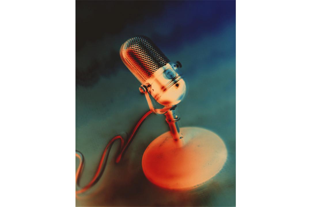 MicrophoneWEBwh.jpg