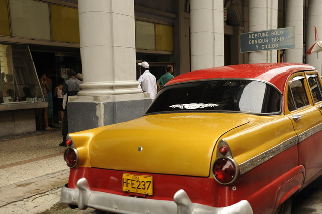 Yellow & Red Ford, Havana