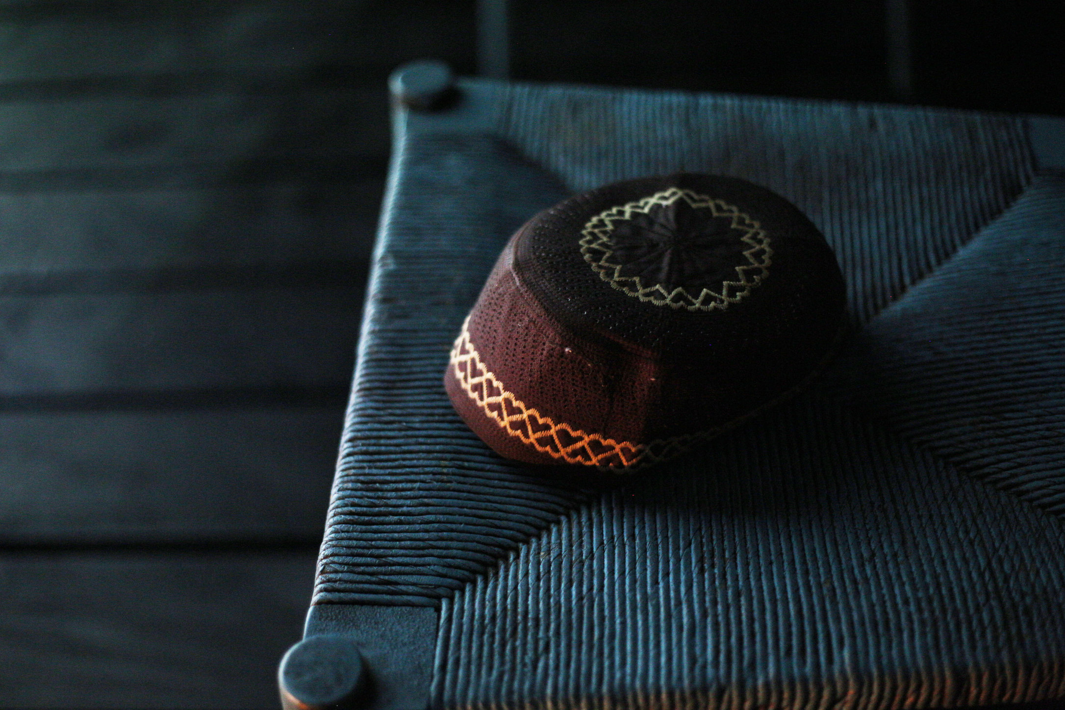 hat on chair thumbprint.jpg