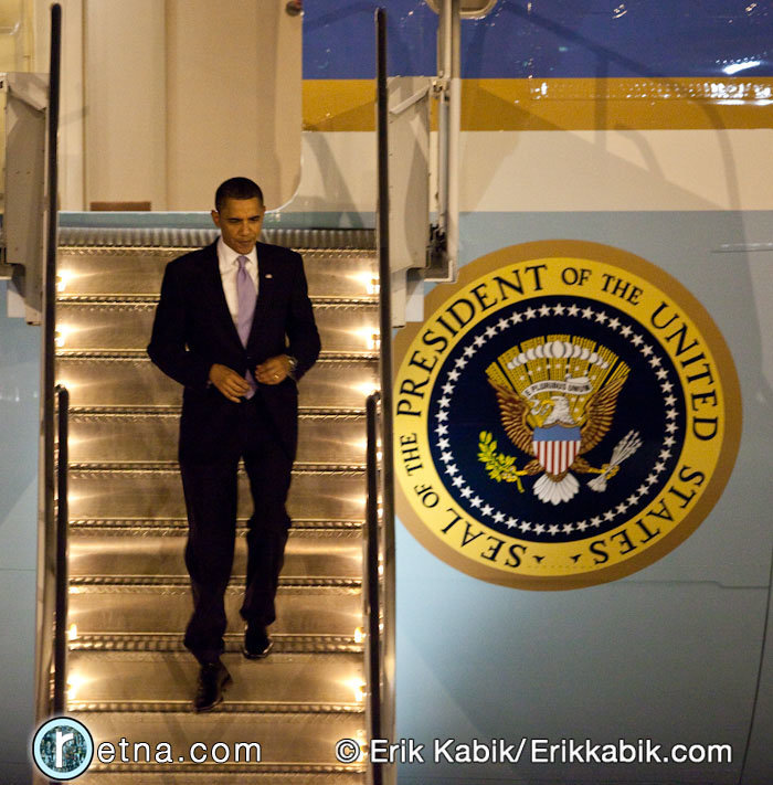 2_18_10_barack_arrives_kabik-98-7.jpg