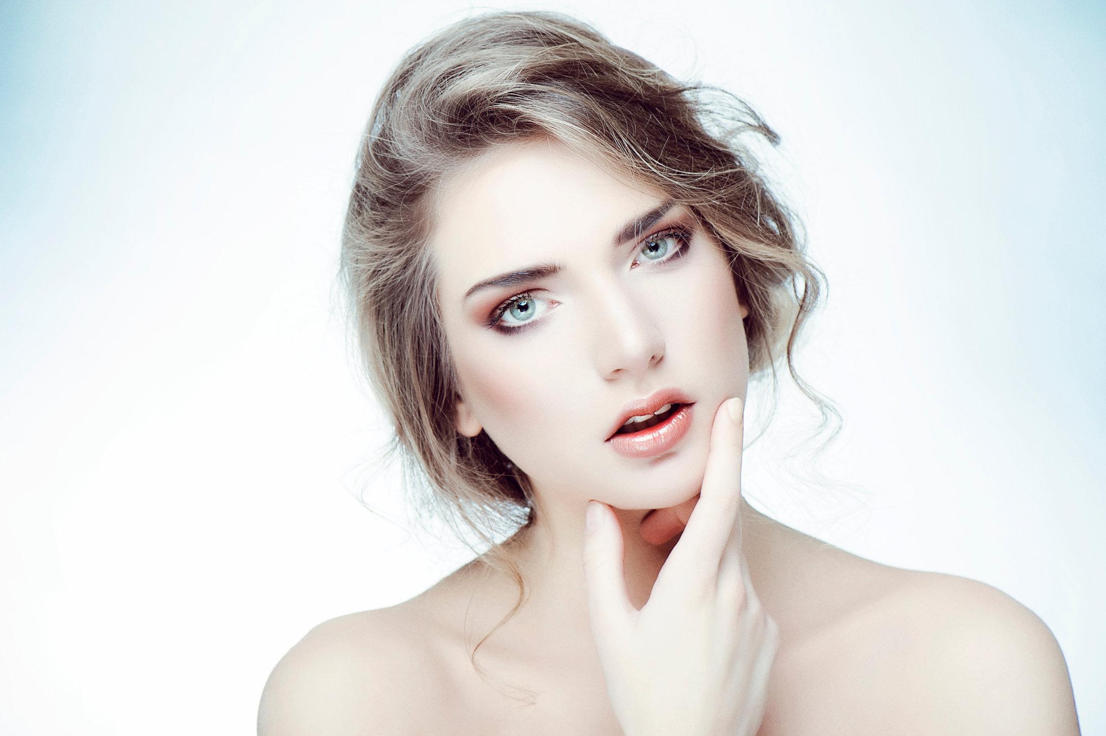 KarolinaAmberville_Beauty_b.jpg