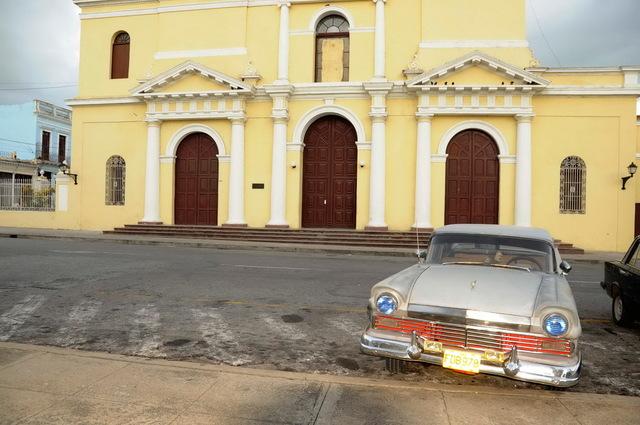 Two Tone Ford, Havana