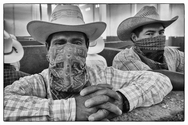 dos hombes Zapatista
