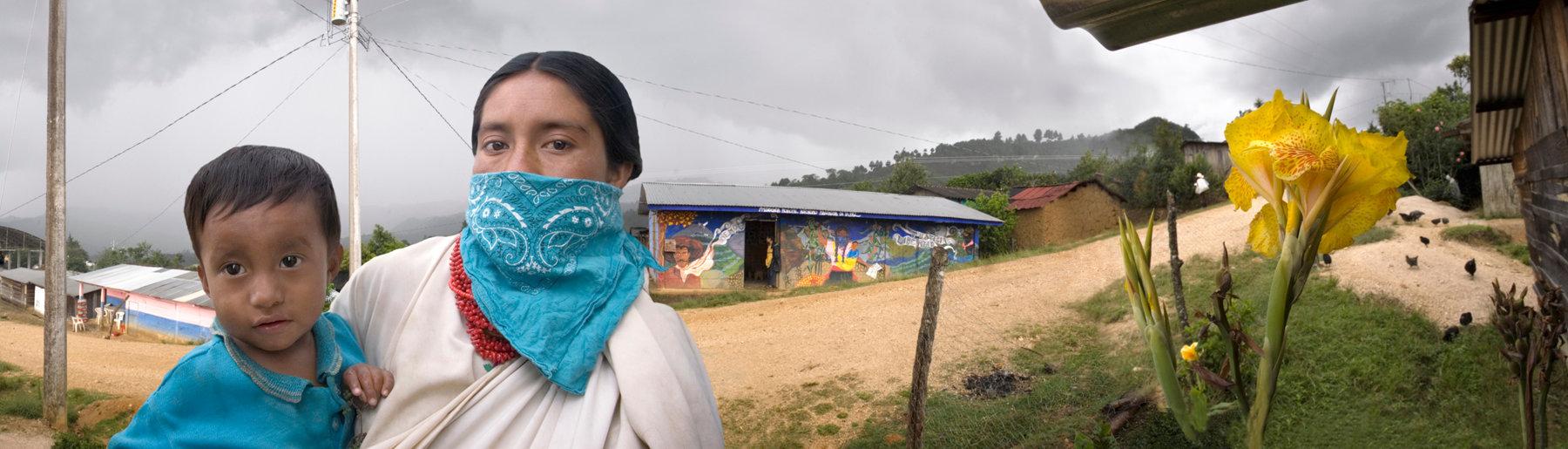 Madre y hijo Zapatista
