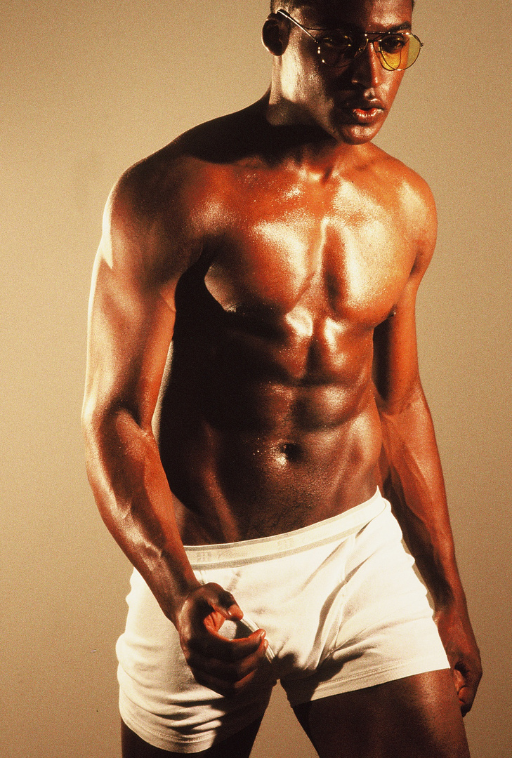 """My discovery RASHAD GETTONE- LA MODEL,  He stars in 8 page editorial in """"Unleashed """" magazine"""