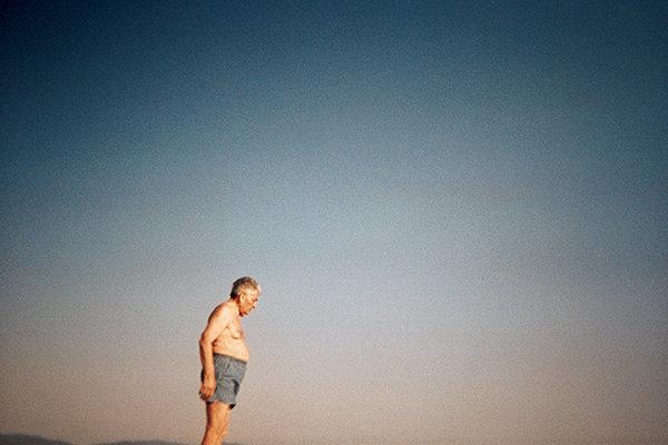 man-sky-beach-wb.jpg