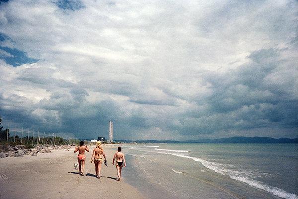 tds-3-women-beach-a.jpg