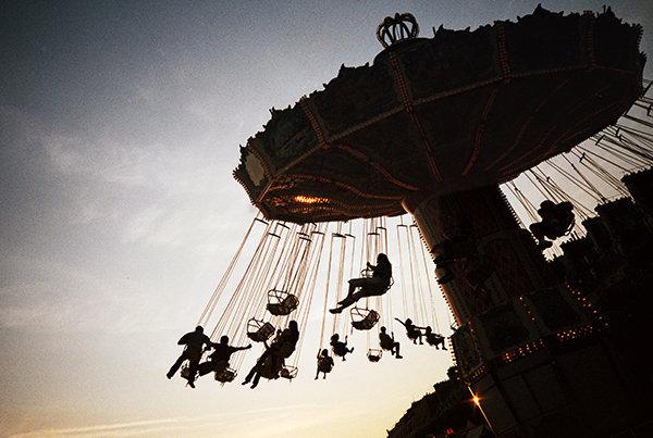 lunar-park-r.jpg