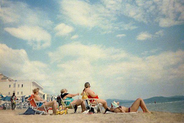 beach-women-seat-OK.jpg