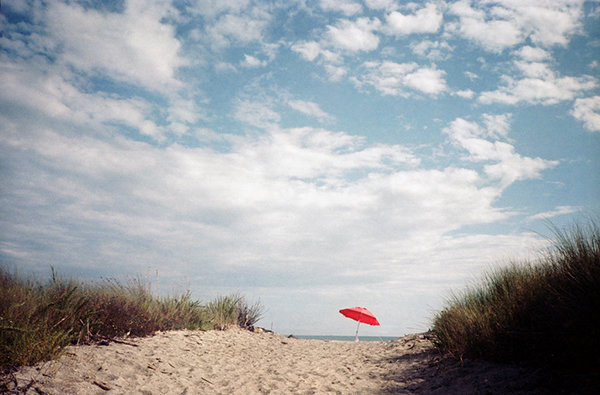 tds-ombrello-rosso-beach.jpg