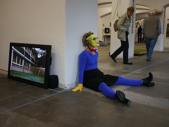 4a Performance im Reutlinger Museum.jpg