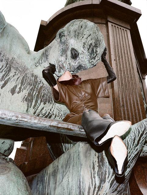 bronze's tenderness, Berlin, 2012.jpg