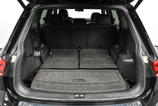full luggage compartment    new/pre