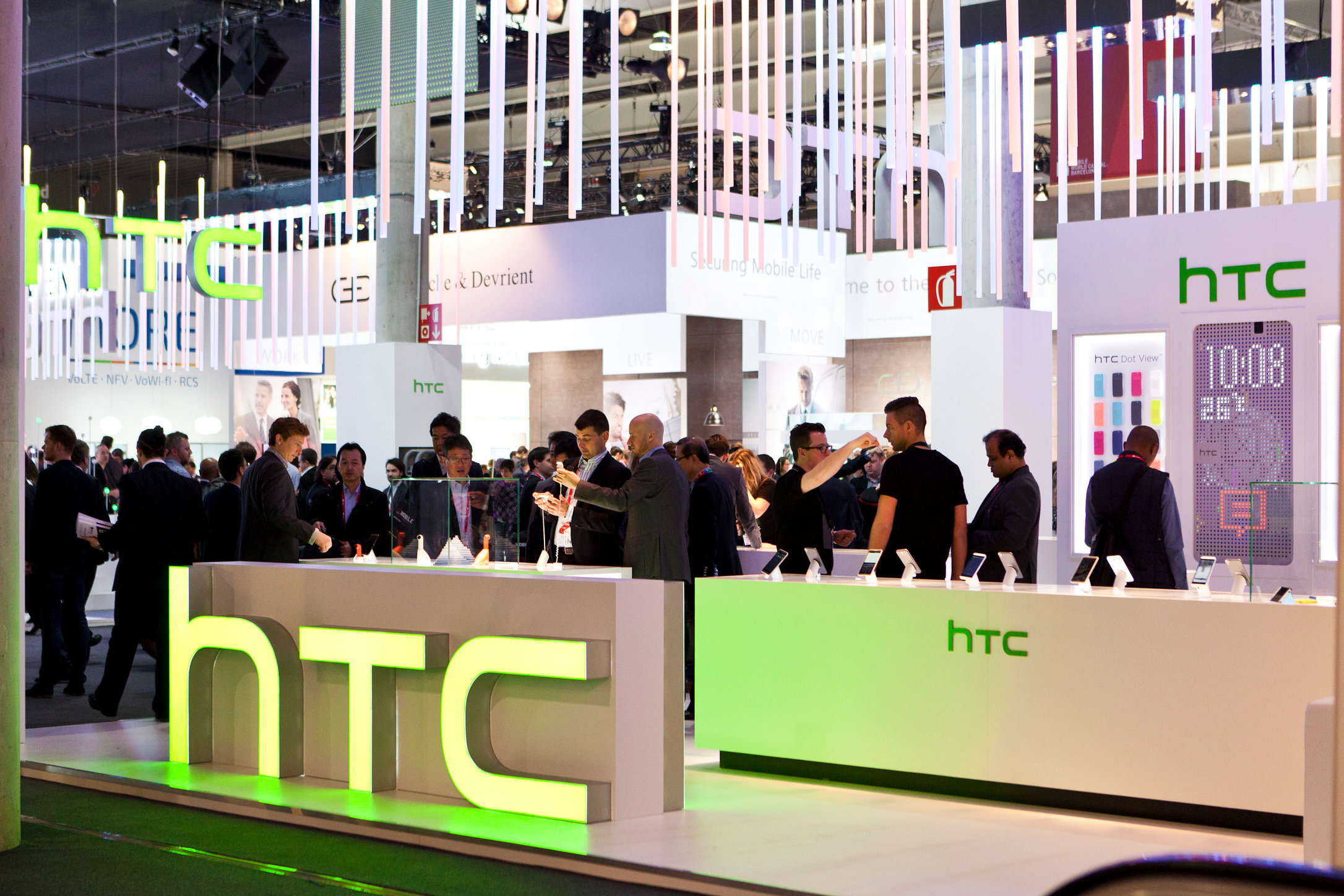 0005_HTC-MWC2015-3779-HighRes.jpg