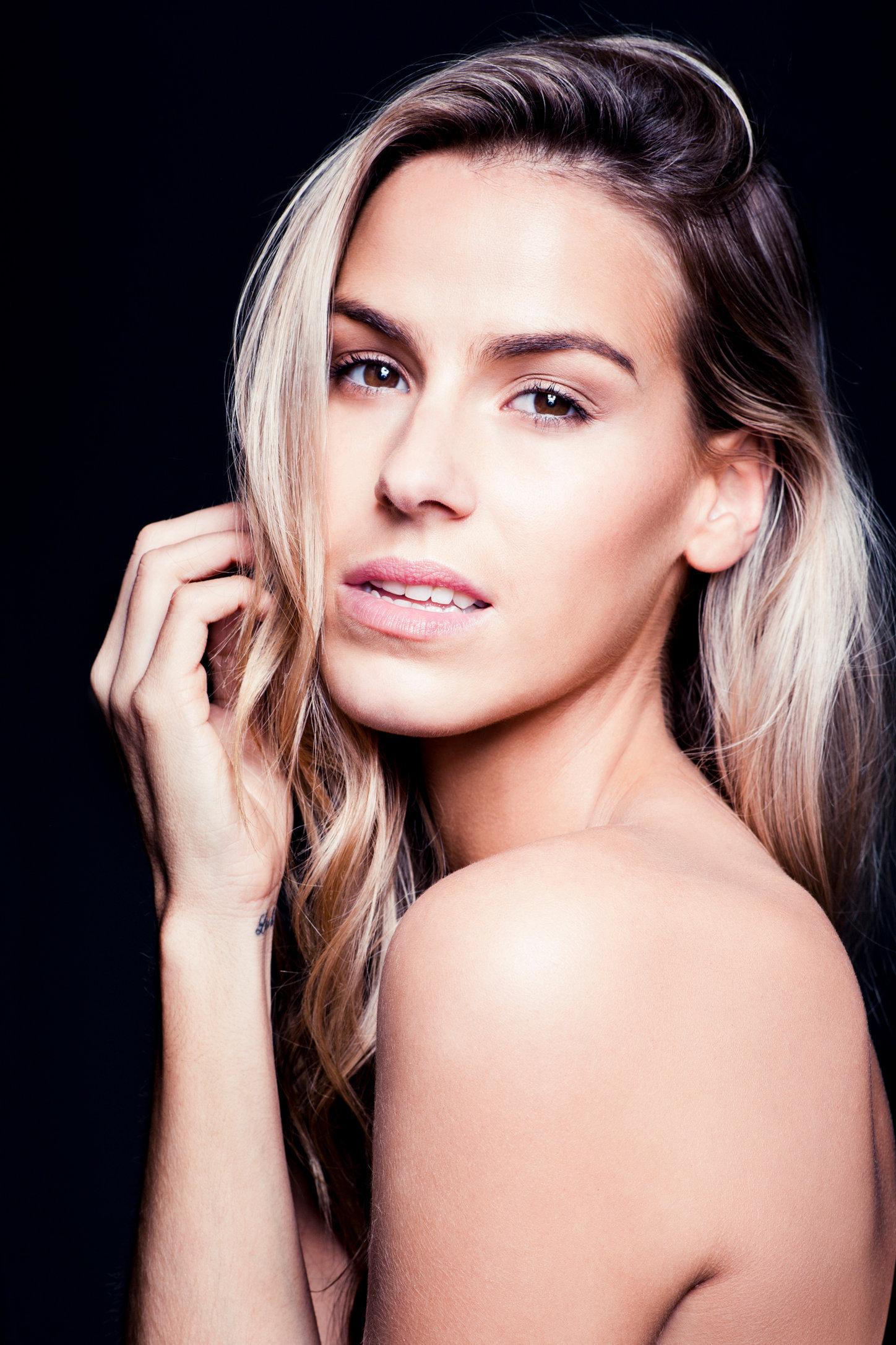 Sarah - Beauty-119-Edit.tif