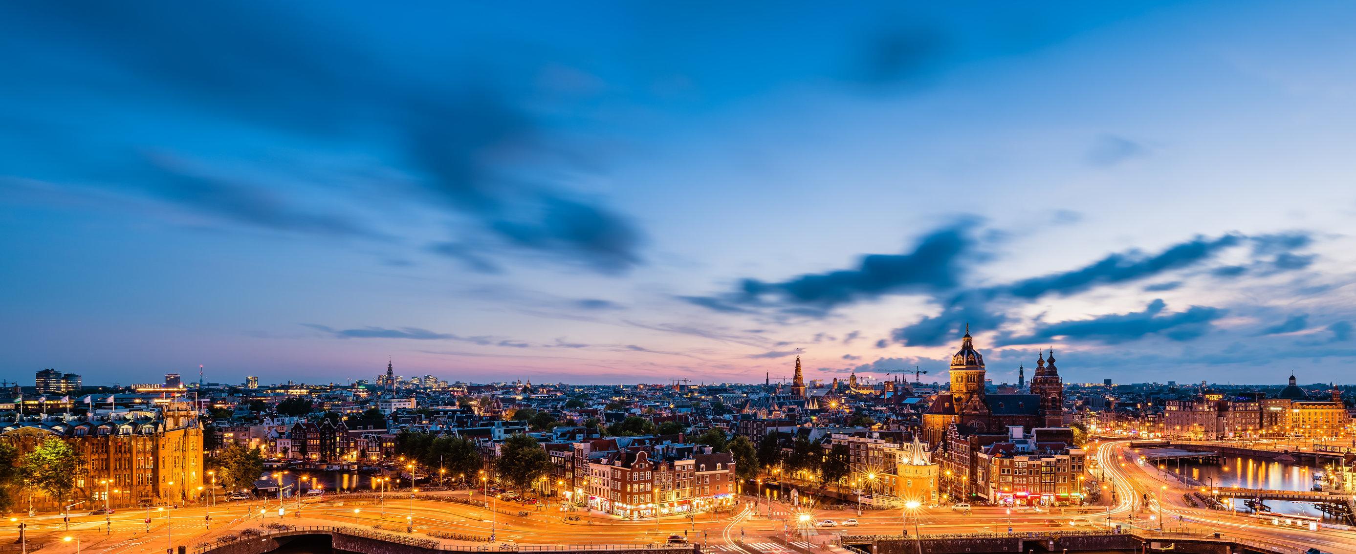 Uitzicht op Historisch Amsterdam, deze foto is een best seller op Werk aan de muur.
