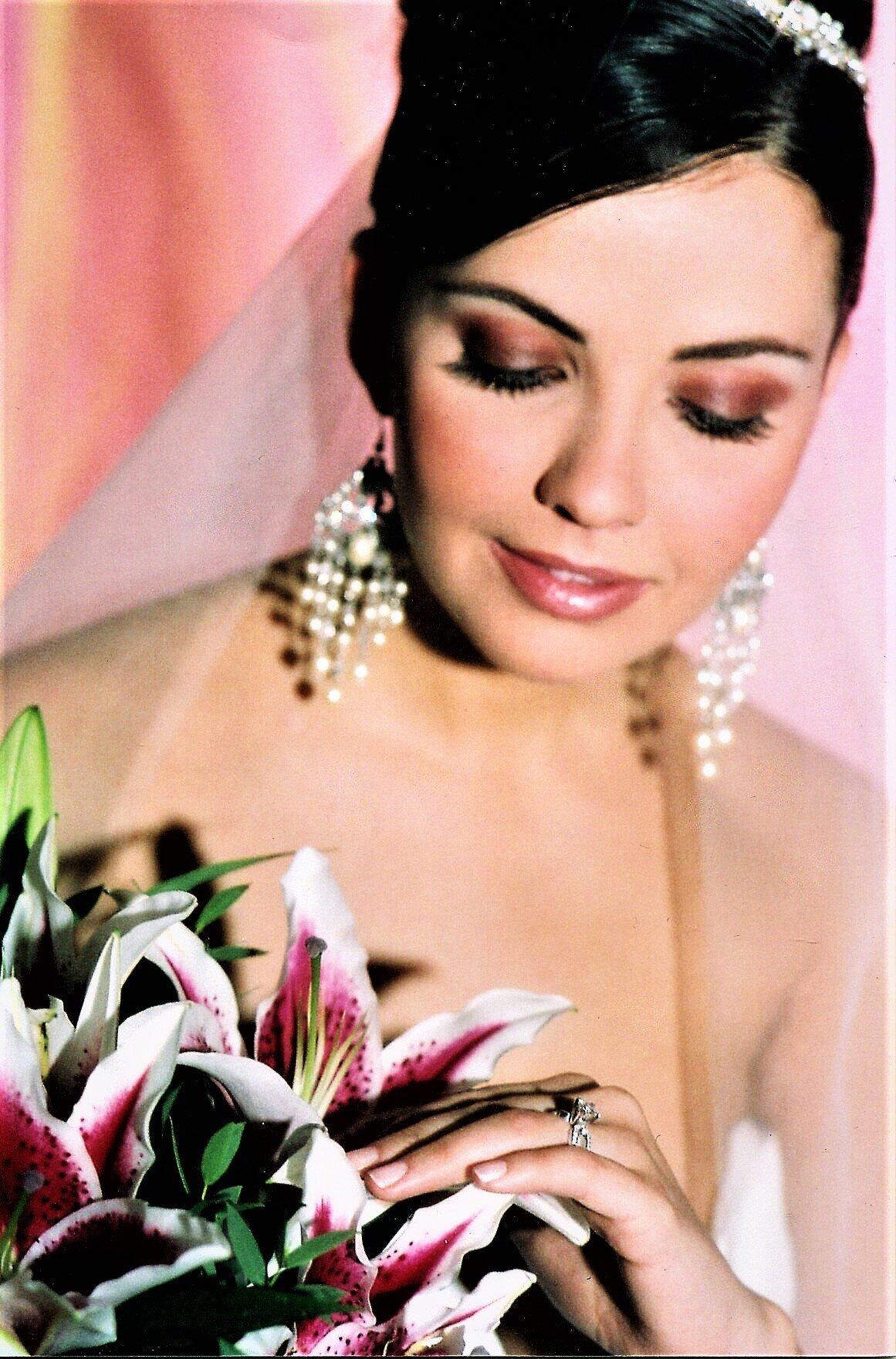 BEAUTIFUL BRIDE TAYLOR
