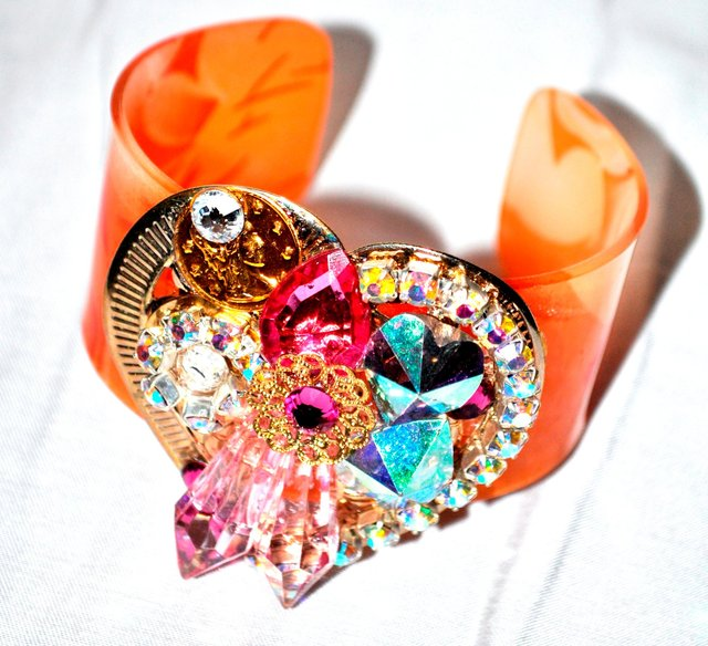 TANGERINE CUFF WITH BEADED HEART