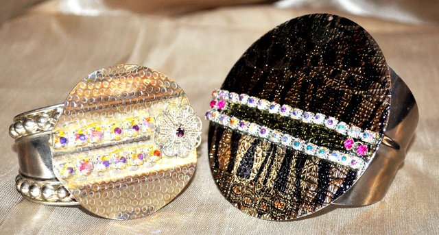CREATIVE CUFFS WITH CRYSTAL EMBELLISHMENTS.