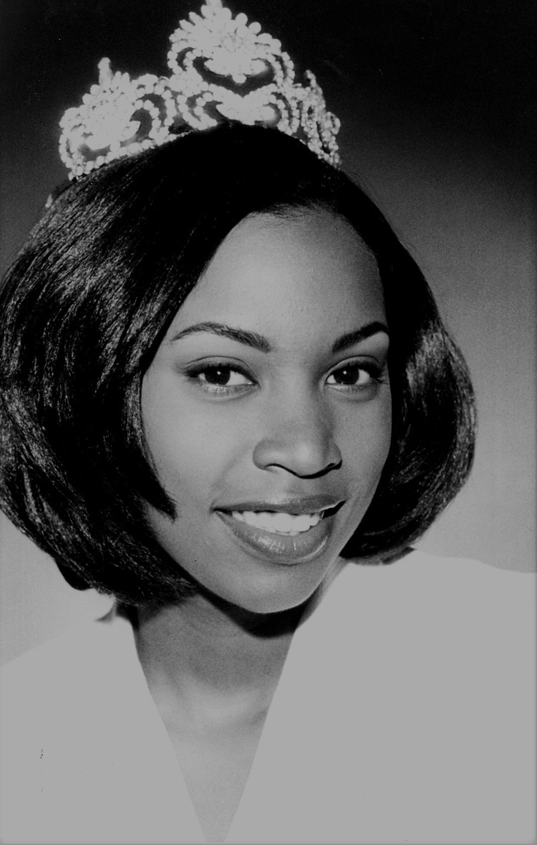 KRISTEN AIKEN-  MISS SPELMAN UNIVERSITY.  She graduated from college and is a UNITED STATES PROSECUTOR .