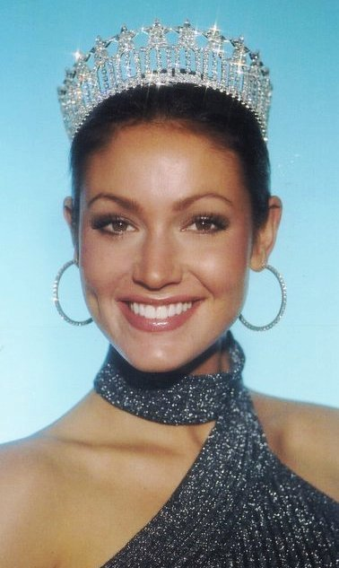 MISS SUN FUN- AMANDA PENNEKAMP  She also modeled in NYC and starred in the national commercial for ZALICTIN, a medication.