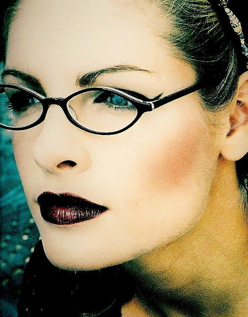 HALL OF FAME INTL MODEL LAURA LEE WEARS PLUM-BERRY LIPS AND JET BLACK LINER.