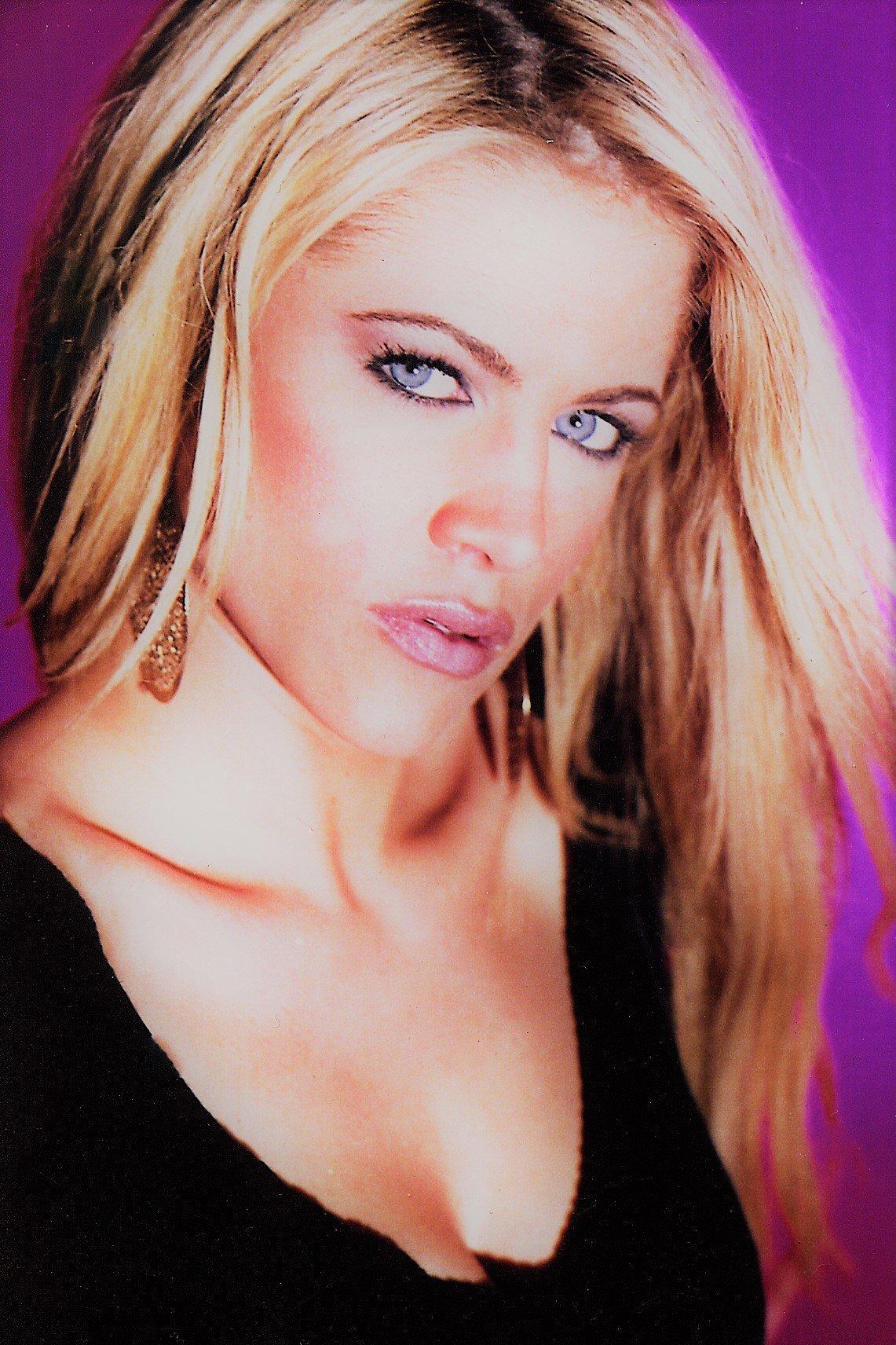 WINNER OF NASHVILLE'S 25 HOTTEST CELEBS-  CHELSEA BUSH    She would star in reality show TRUE BEAUTY.