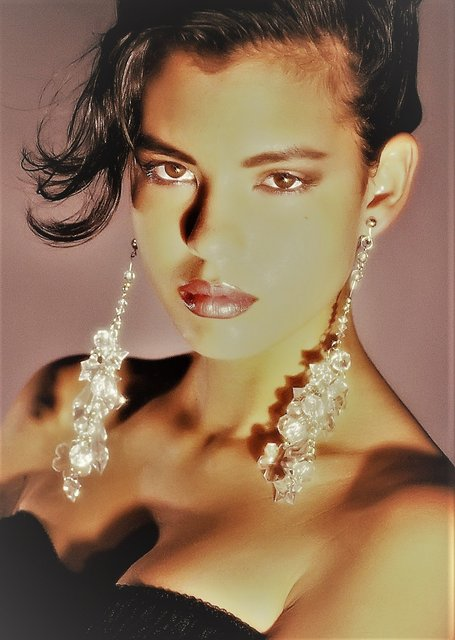 My model discovery MARINDA HANSELMANN -  INTL' SUPERMODEL   I discovered her at the OLIVE GARDEN where she worked as a hostess.