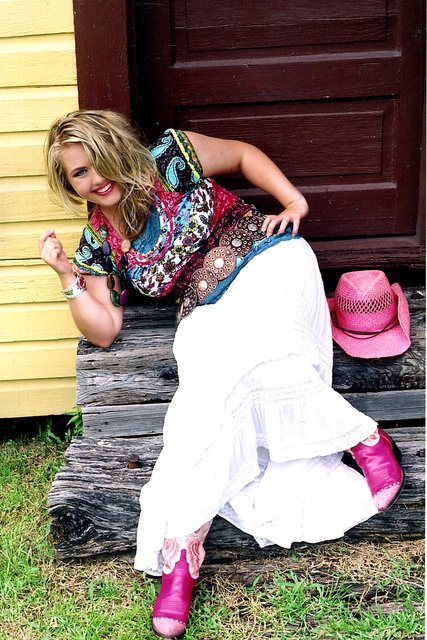 ABRIELLE MULLINS -  COUNTRY MUSIC RECORDING ARTIST