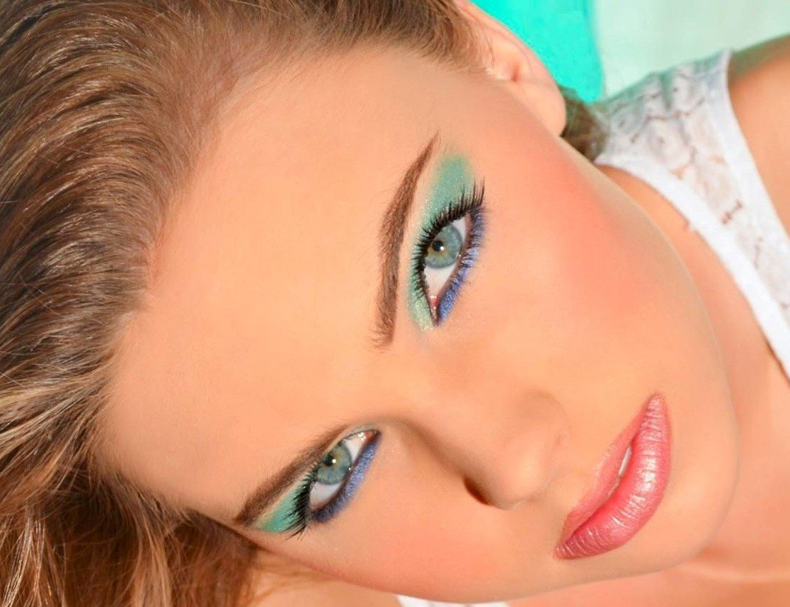 EMERALD, AND SAPPHIRE EYE SHADOW,  VINTAGE ROSE LIPS.
