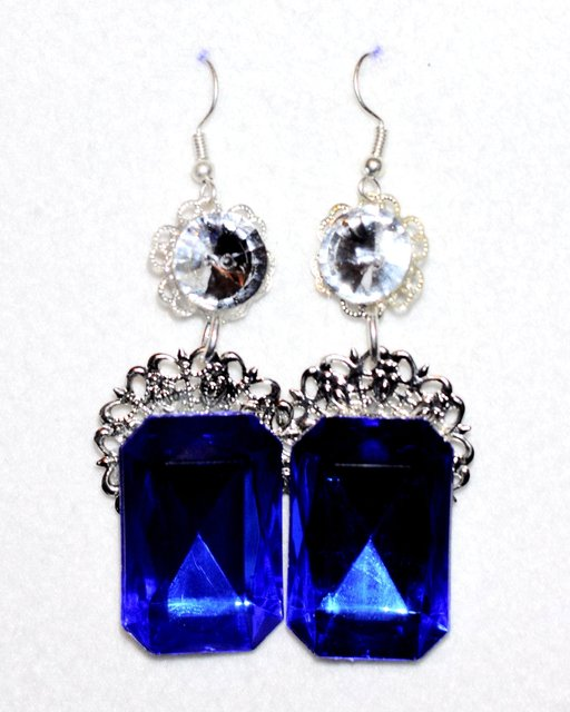 SILVER CRYSTAL earrings with a bold topaz stone.