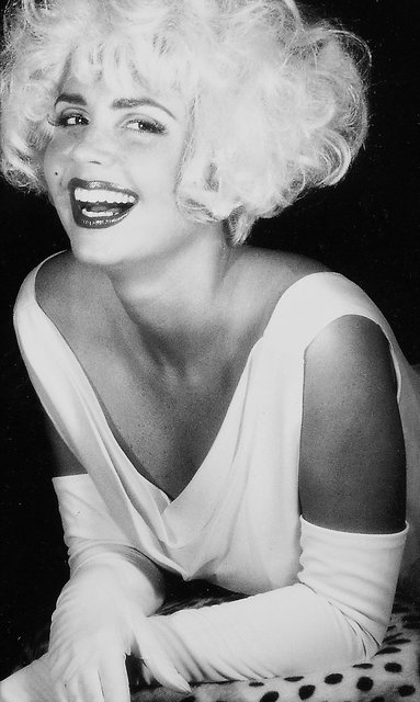 THIS WORLD CLASS BEAUTY COULD BE MARILYN MONROE.