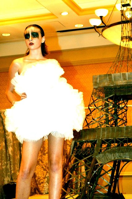 ELOPE TO PARIS design is blazing and be-daring.