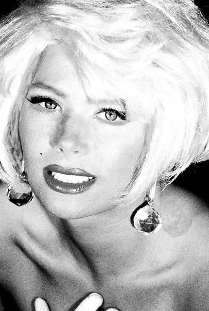 BEING MARILYN MONROE REQUIRES SUSAN'S  VULNERABILITY.