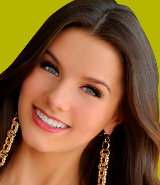 K.LEE GRAHAM- MISS TEEN USA who lived in NYC for a year making appearances and modeling during NYFW.