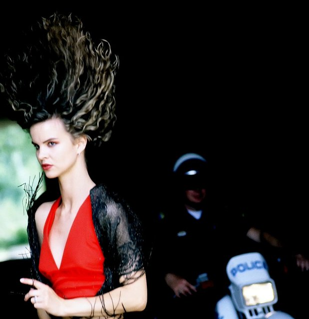 THERE IS NO SHORTAGE OF INSPIRATION WHEN YOU PHOTOGRAPH AN INTL' SUPERMODEL BEING PHOTO BOMBED BY A REAL POLICE.