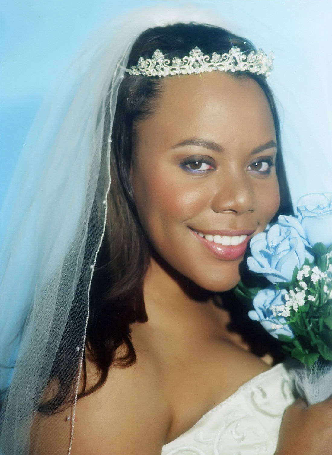 SYREETA is the classic perfect bride in pearl.