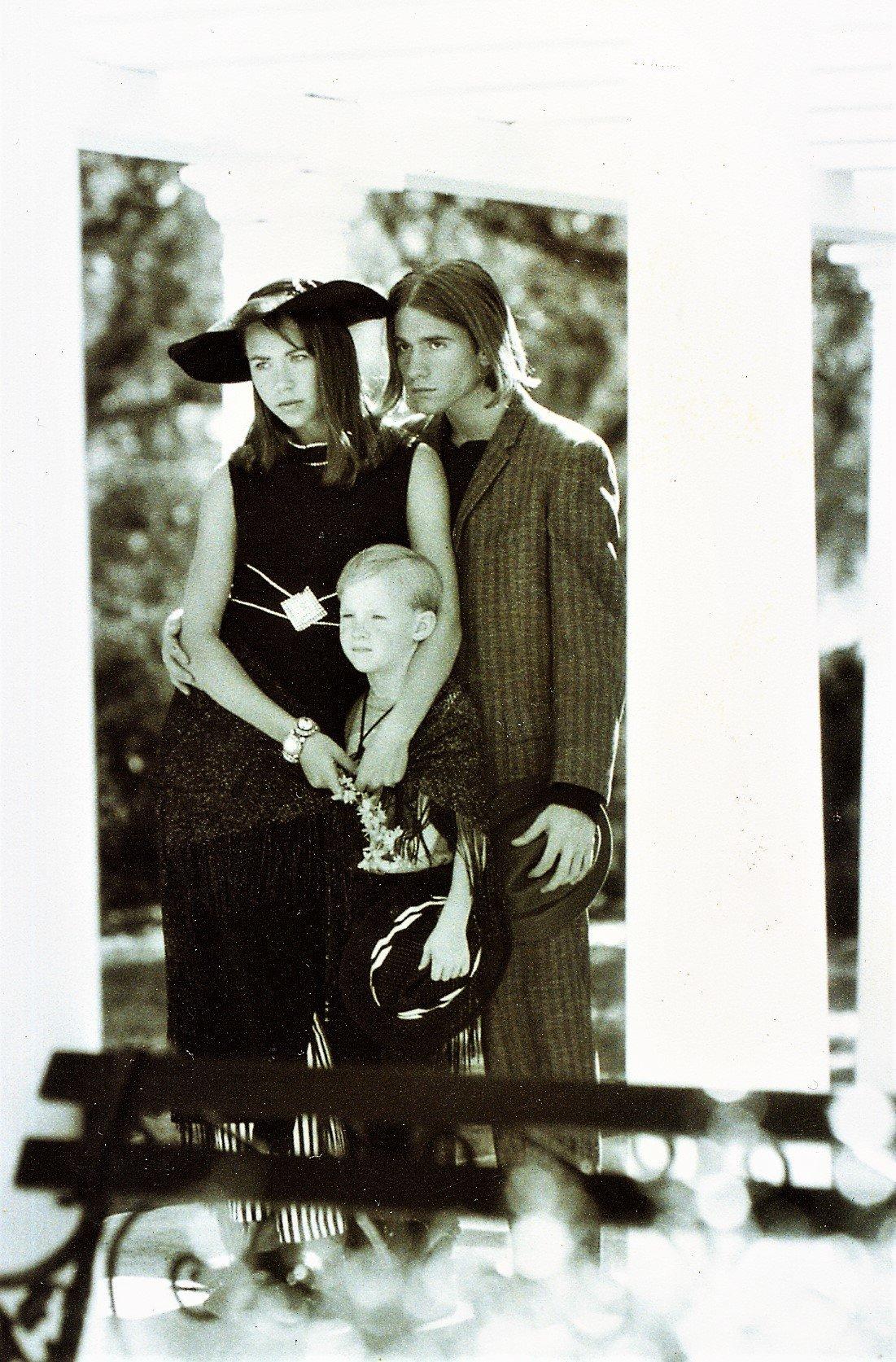 MODELS -  JENNIFER, NICK AND CHILDS FAMILY PORTRAIT.