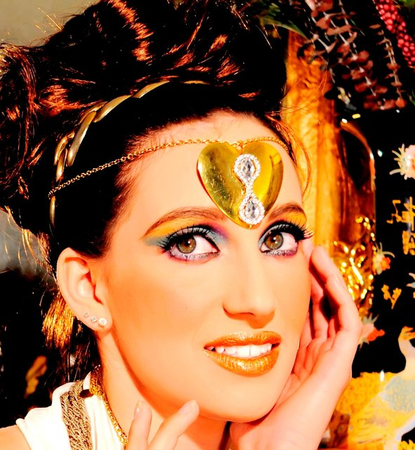 ERIKA BELEIVES ALL THAT GLITTERS IS GOLDEN.
