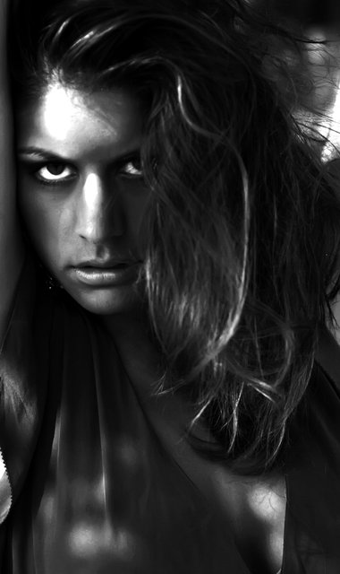 SENSUALITY SIMPLY CAPTURED IN BLACK AND WHITE.