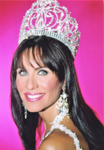 MRS SOUTH CAROLINA-AMERICA -  JENNIFER GRAHAM