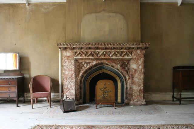 George & Lucy's - fireplace.JPG