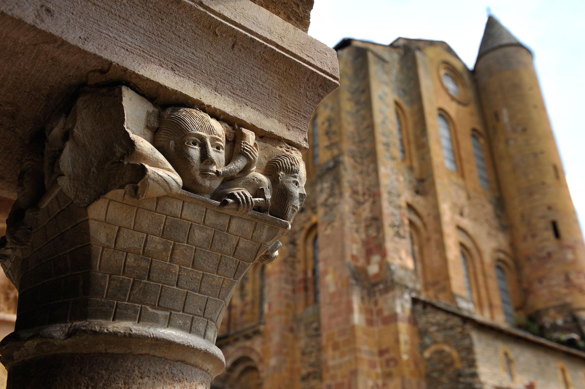 Cloître, abbatiale Sainte-Foy,Conques