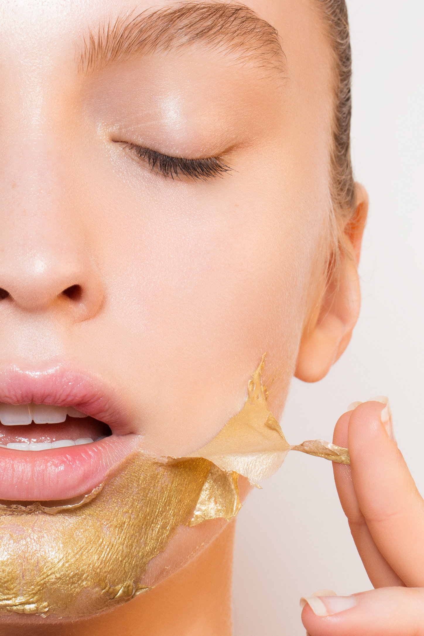 AngelaMarklew_Crystal_Skincare-11.jpg