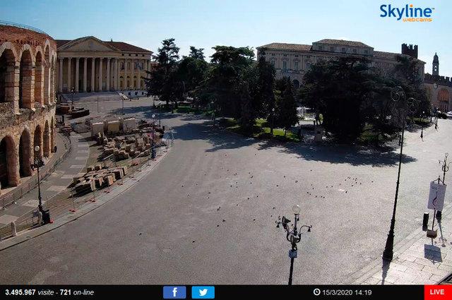 52_Verona - Piazza Bra.TIF